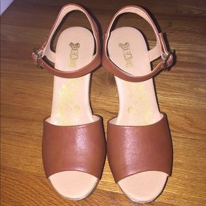 Tan wedges size 7.5!